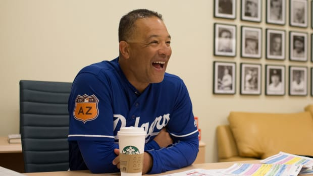 dave-roberts-dodgers-office.jpg