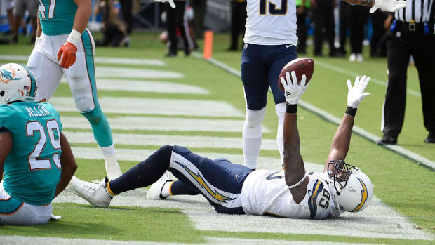 Chargers' Antonio Gates sets record with 112th TD as tight end - IMAGE