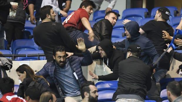 crowd-lyon-besiktas-europa-league.jpg
