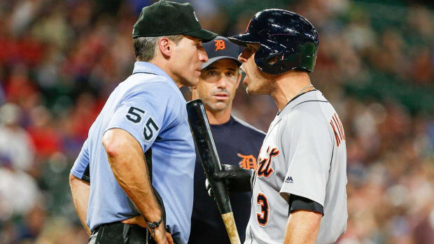 MLB Umpires Granted Meeting With Commissioner, End Protest - IMAGE