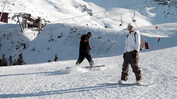 techie-drone-snowboarding.jpg