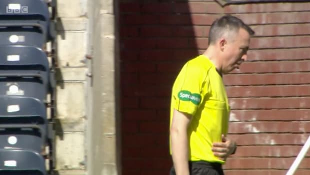 scottish-soccer-linesman-referee-vomit-red-card-video.png