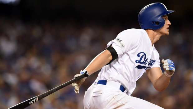 Corey Seager Left Off Dodgers' NLCS Roster With Back Injury - IMAGE