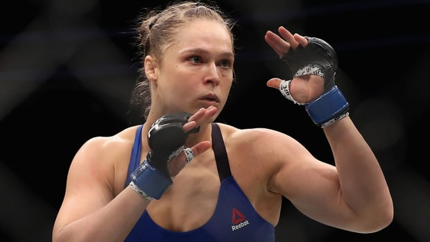 ronda-rousey-standing-rock-protests.jpg