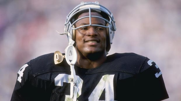 Bo Jackson: If I knew about head injuries, I wouldn't have played football - IMAGE