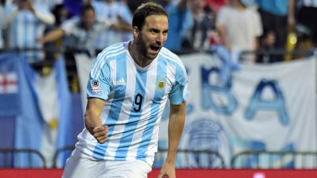 argentina-jamaica-gonzalo-higuain-copa-america.jpg