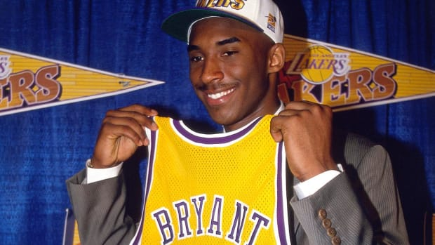 Lakers to Retire Both Kobe Bryant Jersey Numbers--IMAGE