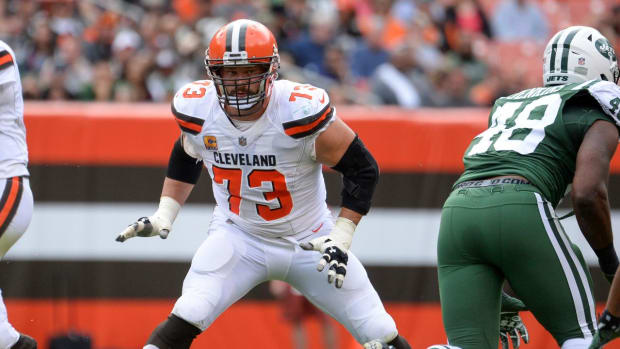 Browns To Make Joe Thomas Highest-Paid OL in 2018--IMAGE