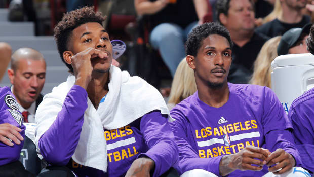 lakers-nick-young-lou-williams-owe-money-twitter.jpg