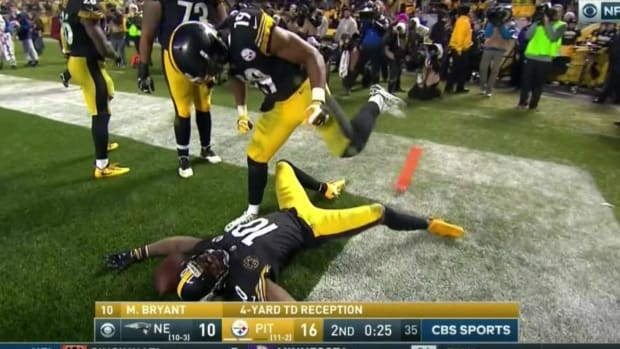 smith-schuster-celebrate-touchdown-burfict.jpg