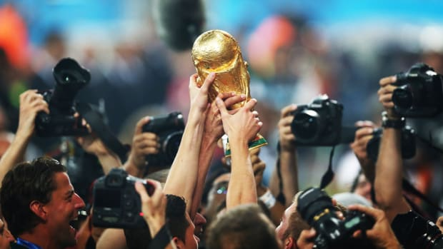 world-cup-trophy-roundtable.jpg