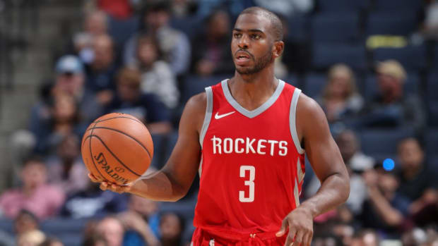 Report: Chris Paul Could Miss Month With Knee Injury--IMAGE