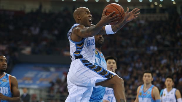 stephon-marbury-beijing-ducks-contract.jpg