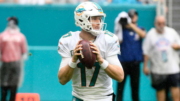 ryan-tannehill-out-dolphins-steelers.jpg