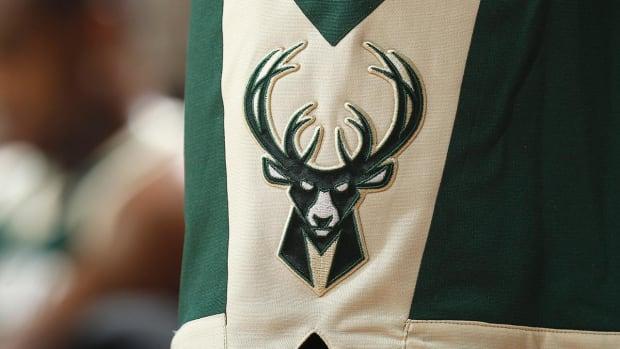 Report: Bucks Offer Malcolm Brogdon, Khris Middleton for Kyrie Irving - IMAGE