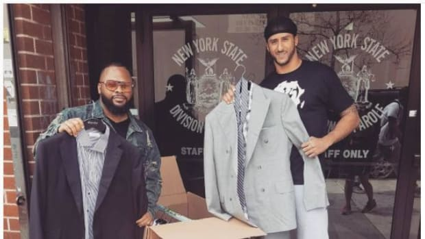 Colin Kaepernick donates custom suits to charity--IMAGE