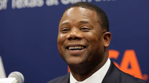UTSA Makes Frank Wilson Conference USA's Highest-Paid Coach - IMAGE