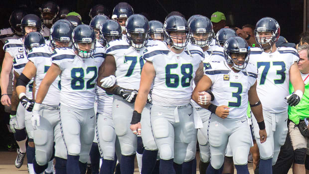seattle-seahawks-national-anthem-protest.jpg