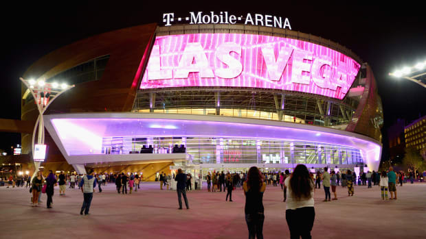 floyd-mayweather-conor-mcgregor-fight-t-mobile-arena-mgm-grand-garden-big3.jpg