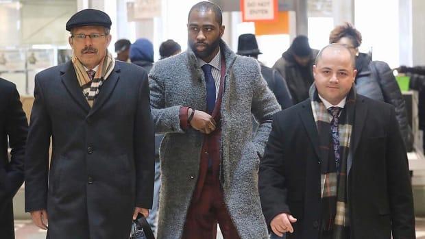 Darrelle Revis won't face NFL discipline after felony assault charges dropped IMAGE