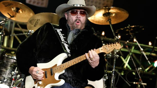 Hank Williams Jr. back on Monday Night Football - IMAGE
