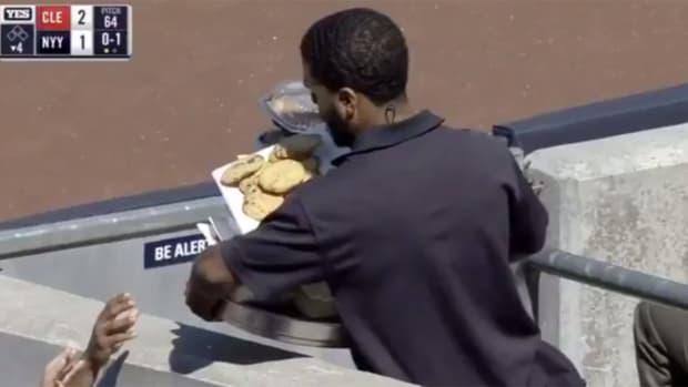 yankee-stadium-cookies.jpg