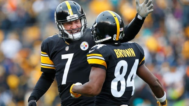 Steelers advance to AFC Divisional Round with 30-12 win over Dolphins - IMAGE