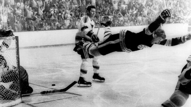 No. 1: Bobby Orr Takes Flight IMG