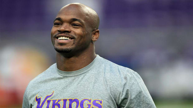 Report: Adrian Peterson would consider team-friendly deal with Patriots - IMAGE