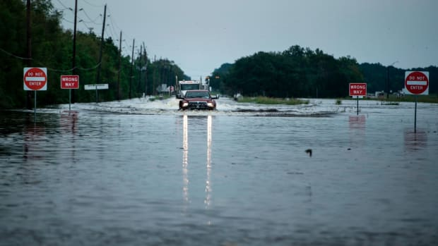 hurricane-harvey-houston-texans-game-cancel.jpg