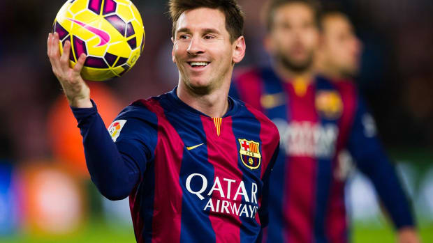 Messi, Barcelona agree to renew contract through 2021 - IMAGE
