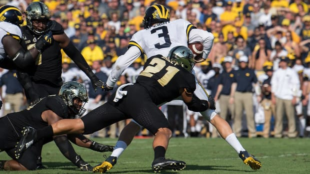 Michigan Quarterback Wilton Speight Out 'Multiple Weeks' - IMAGE