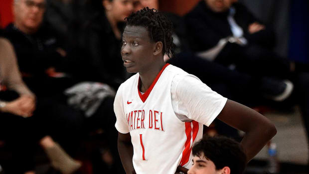 Five-Star Center Bol Bol, Son of Manute, Commits to Oregon - IMAGE