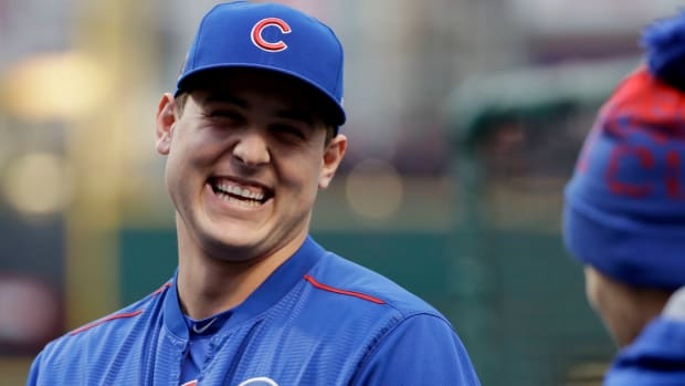 anthony-rizzo-naked-pump-up-speeches-cubs.jpg