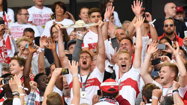 stuttgart-trophy-bundesliga-promotion.jpg