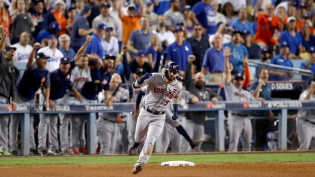 Astros Outlast Dodgers in Slugfest, Series Tied at 1-1--IMAGE