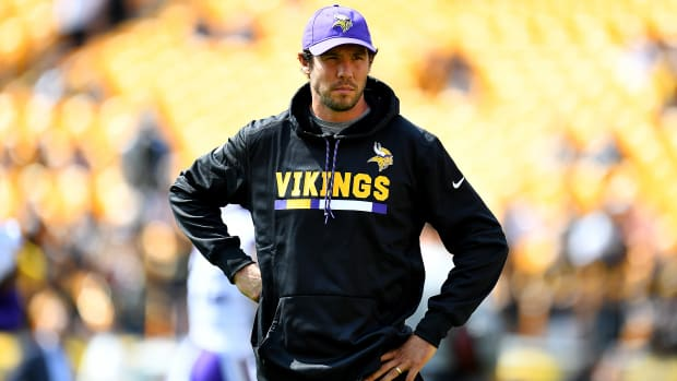sam-bradford-vikings-buccaneers-knee-injury-out.jpg