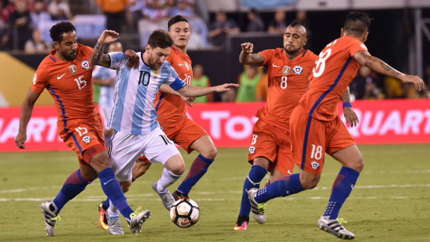 messi-argentina-chile-world-cup-qualifying.jpg