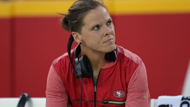 katie-sowers-first-openly-gay-nfl-coach.jpg