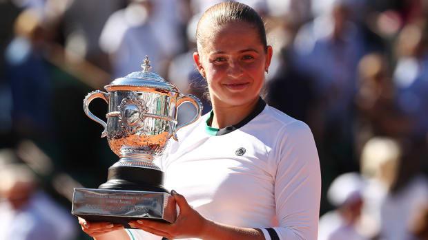 ostapenko-wins-trophy-lead.jpg