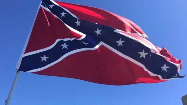 Protesters fly Confederate flag next to NCAA tournament arena in South Carolina - IMAGE
