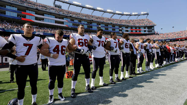texans-anthem-protest.jpg