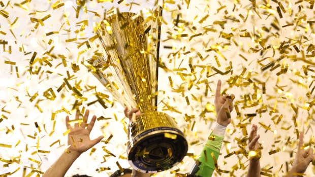 gold-cup-trophy-2017-sites.jpg