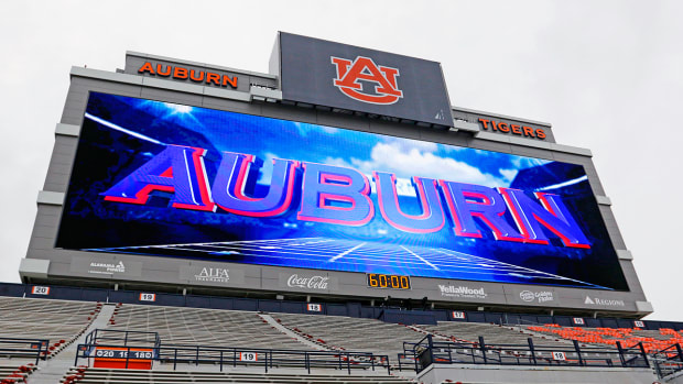 auburn-football-video-board-rights-fee-bubble.jpg