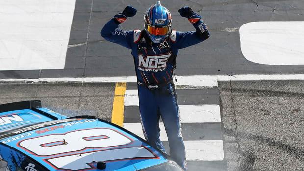 kyle-busch-xfinity-racing-1300.jpg