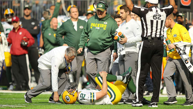 aaron-rodgers-green-bay-packers-injury.jpg