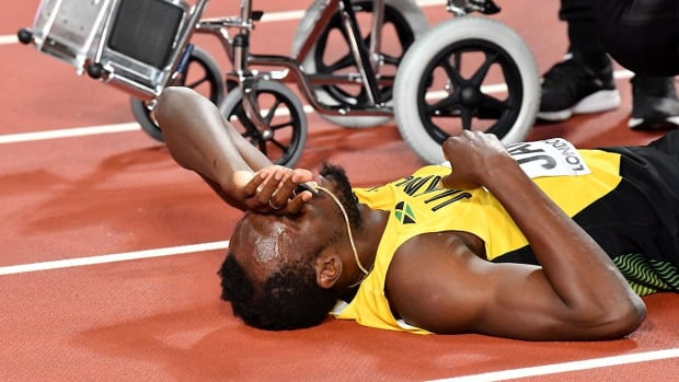 Usain Bolt Injured in Final Career Race--IMAGE