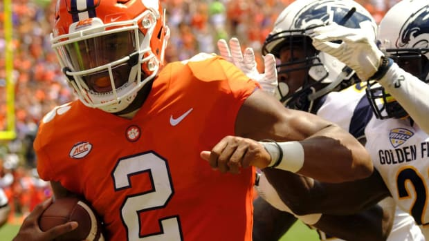 College Football in 60 Seconds: Auburn vs. Clemson Leads a Packed Saturday Night Slate