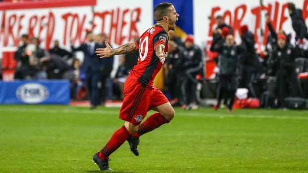 sebastian-giovinco-toronto-fc-free-kick-goal.jpg