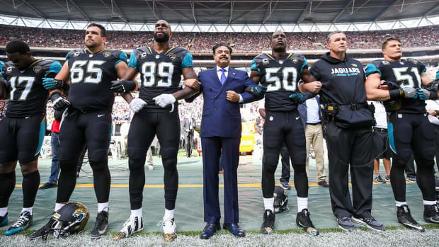 How the Jaguars and Owner Shad Khan Decided to Protest During the National Anthem - IMAGE